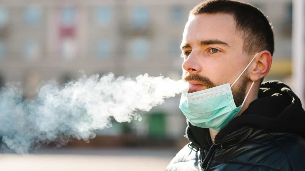 homem fumante